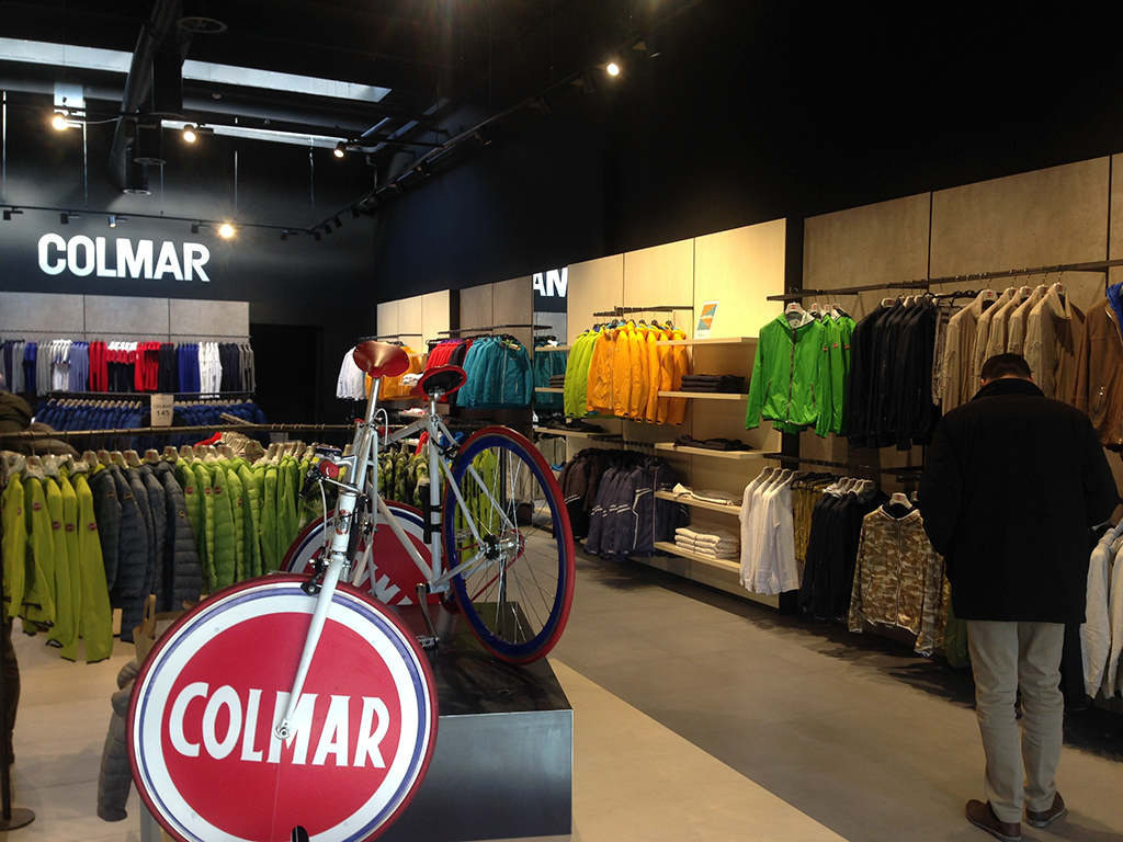Colmar Lab @ The Style Outlets//Vicolungo (NO)